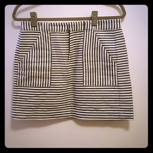 Madewell size 4 striped mini skirt with pockets!